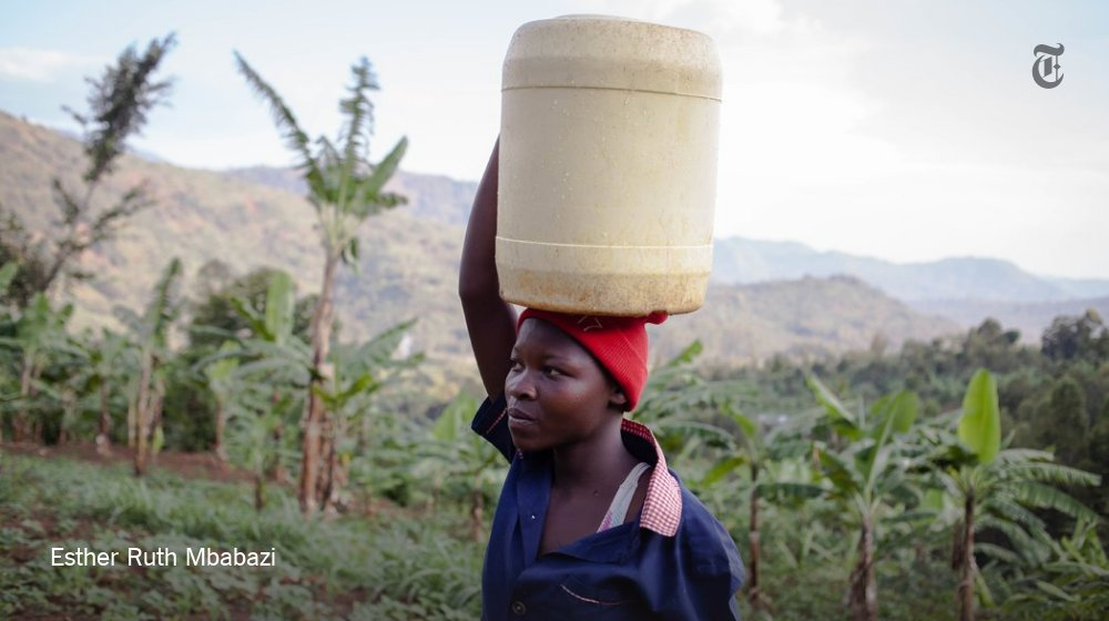 Documenting teenagers as they navigating life in Uganda https://t.co/IeBgqAlZTW https://t.co/dZmrcVYXpJ
