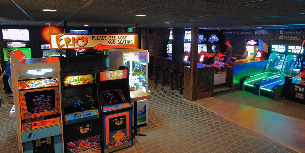 test Twitter Media - It's #TastyThursday and we are featuring Downstairs at Eric's known best for their wings, burgers, fries, and pizza (try the Thai on honey wheat). 🍔 The arcade games are also a blast for the whole family! 🕹Don't forget to check out the awesome live bar cam on their website. 💻 https://t.co/xVPJWV7gUk