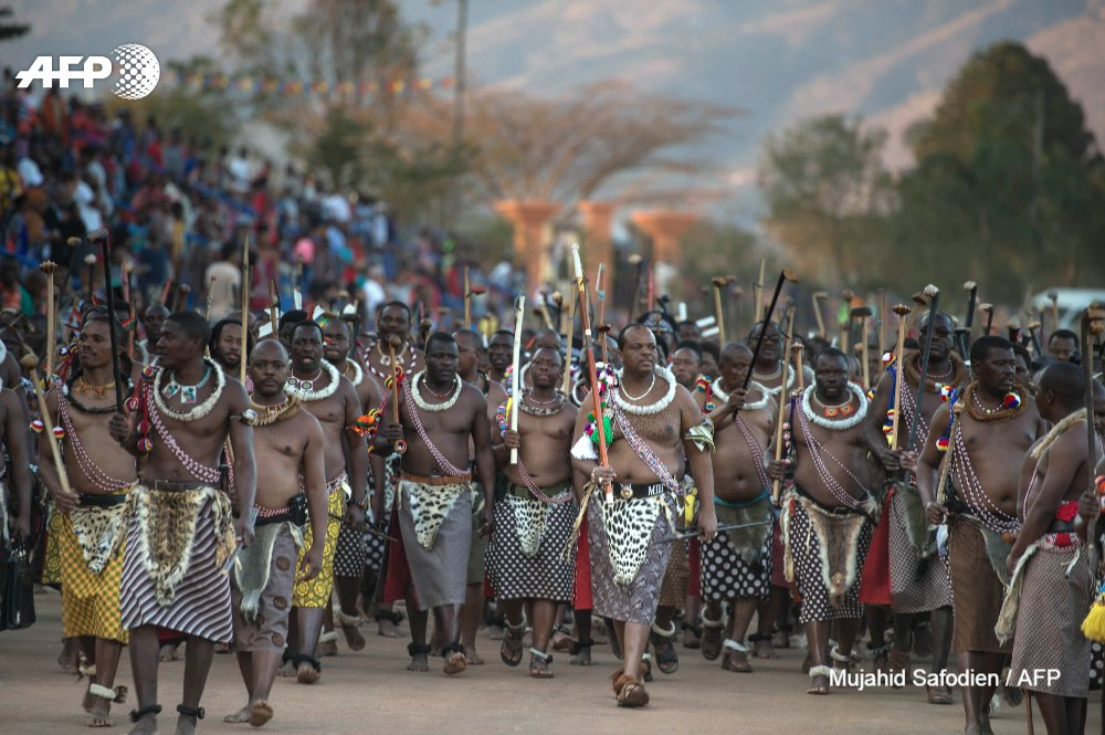Swaziland's king renames his country 'eSwatini' to shed British colonial link https://t.co/tvm8ERWIY4 https://t.co/UudI9tSCzZ