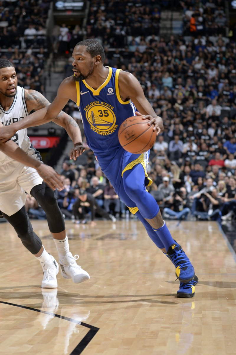 97b3dae7afb5 Kevin durant is on with 24 pts