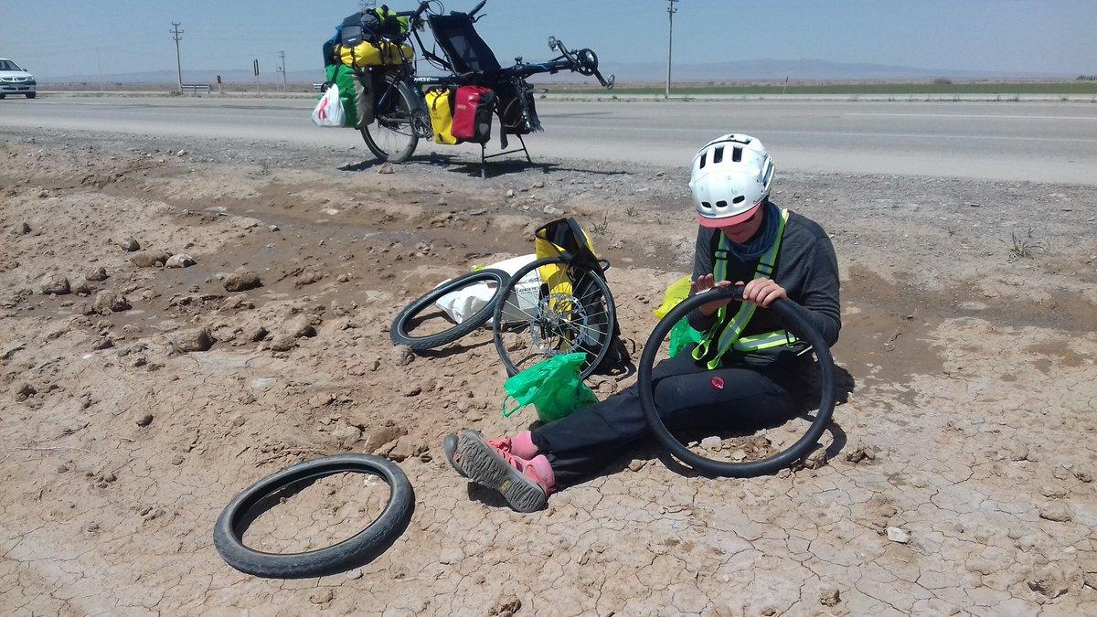Passage aux stands pour un changement de pneu / Tyre change