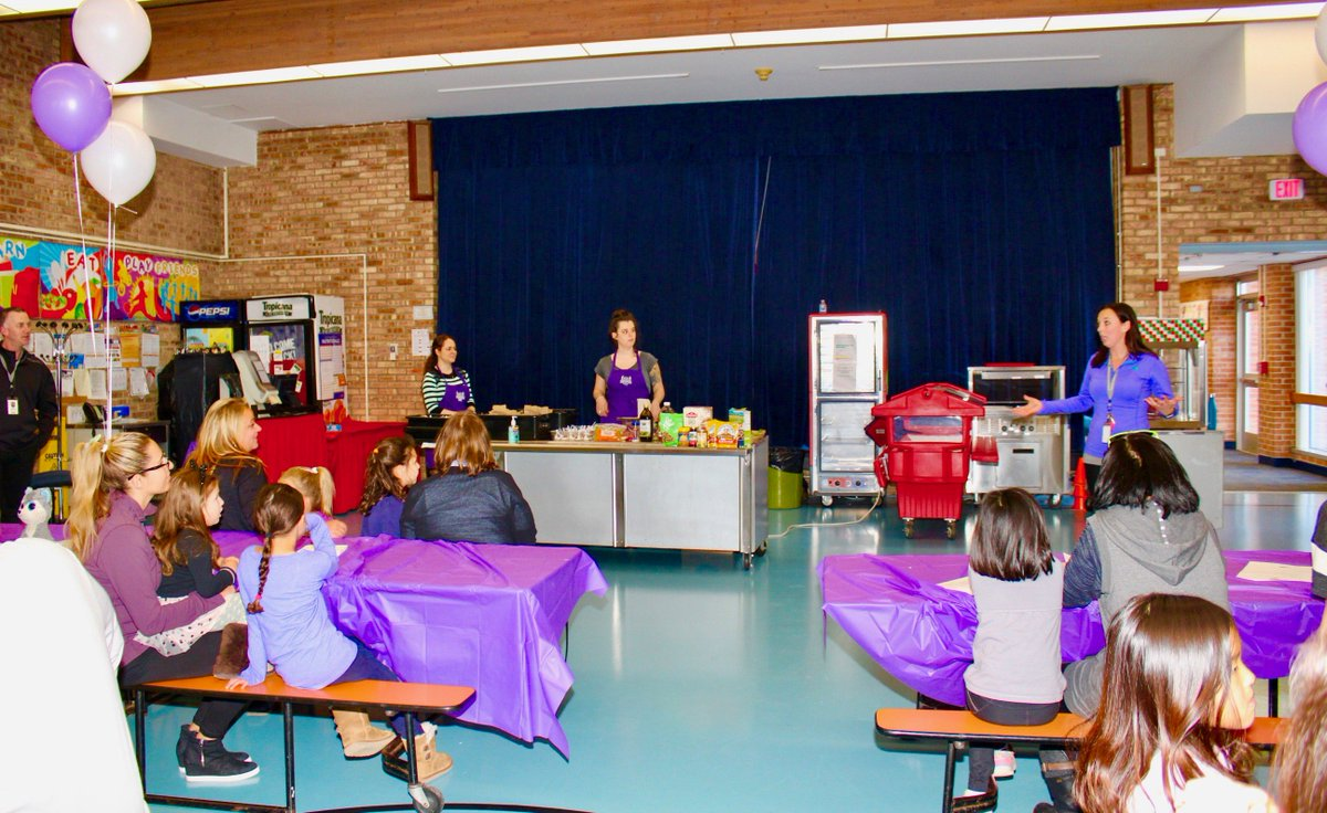 test Twitter Media - W 1st graders enjoy nutritious & delicious adventure! Roy Grober & Christina Fee invited reps from Purple  Asparagus where they handed out recipes & prepared healthy snacks for the first grade families in attendance.  #d30learns https://t.co/mrfe4WYK8m