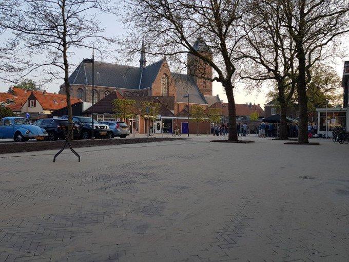 Naaldwijk Havenplein is vanavond officieel in gebruik genomen. https://t.co/1i2448AkV6
