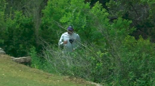 WATCH: Sergio Garcia throws his driver in to the bushes at the #ValeroTexasOpen! https://t.co/gxlbvXTjU9 #GolfonSky https://t.co/HG3l1caBe4