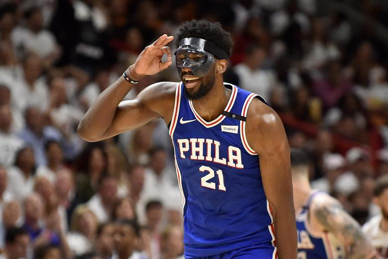 Joel Embiid is back, he's got a cool mask, and he's about to destroy the NBA: https://t.co/1PVlAM1yax https://t.co/G2JMTIcFwx
