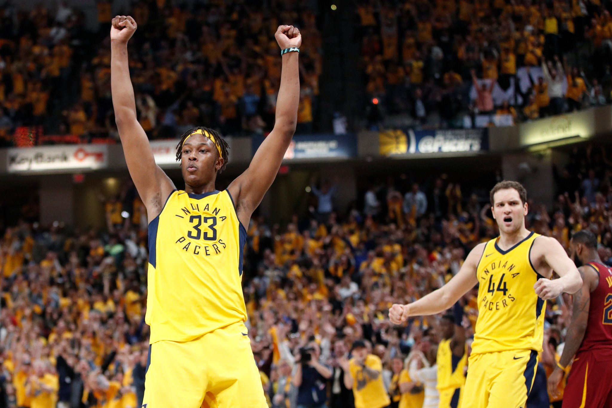 MOOD in INDY!   @Pacers comeback to defeat Cleveland 92-90 and take a 2-1 series lead. #NBAPlayoffs #Pacers https://t.co/My2yuttmWG