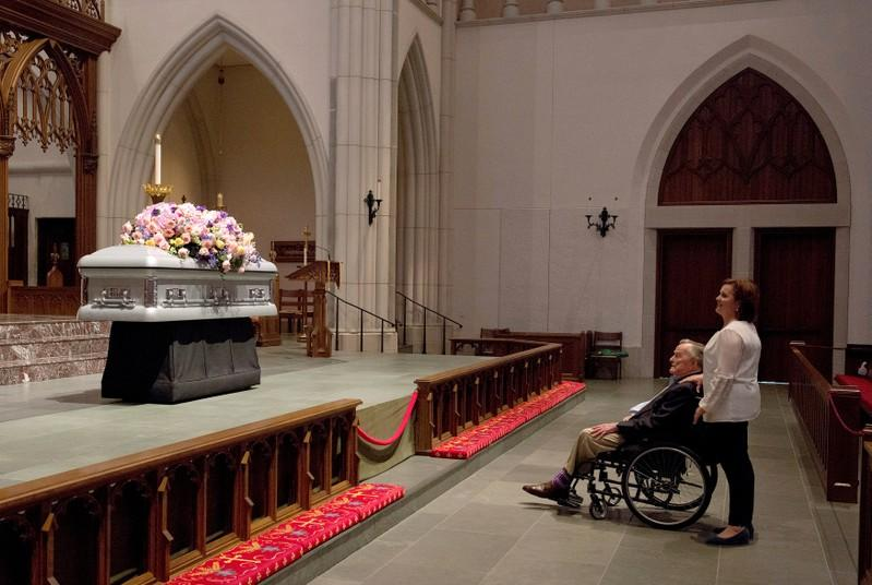 Ex-U.S. presidents among mourners expected at Barbara Bush funeral https://t.co/bPuSW5d7f7 https://t.co/lIYa8NY1bK