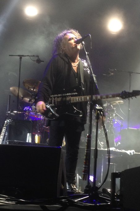 Happy birthday to my very dear Robert Smith Thanks for all I hope to see you soon again XxXx