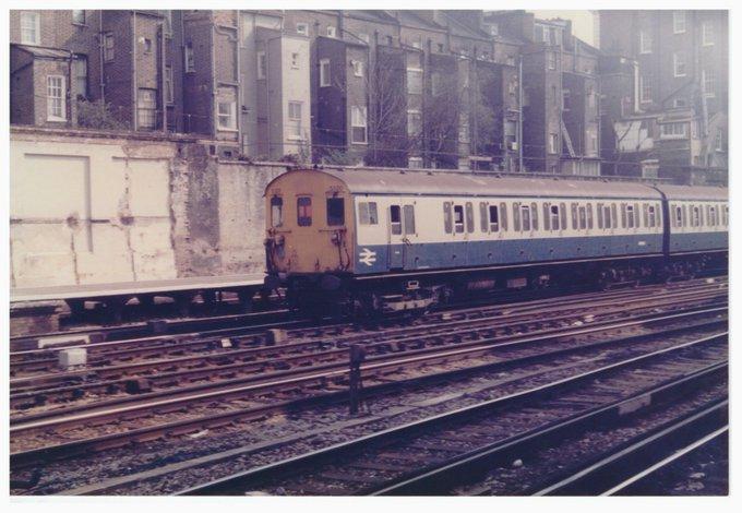 5320 at Victoria at 16.12 on 26th April 1986. @networkrail #DailyPick #archive #history #nostalgia #railway https://t.co/TVjhHGukwf