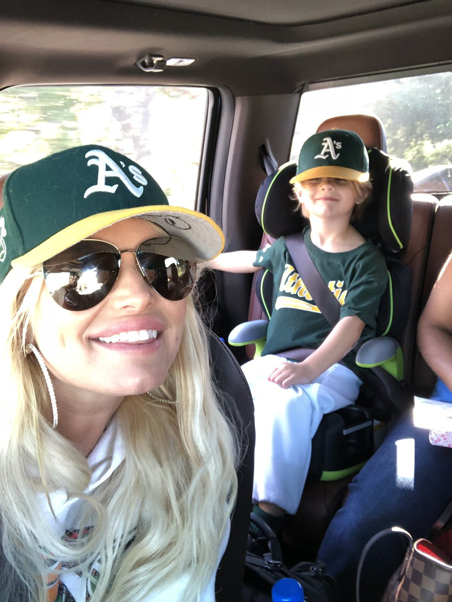 Game Day ⚾️ #ACEKNUTE https://t.co/pb93vJaUIS