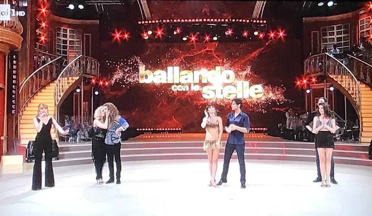#BallandoConLeStelle