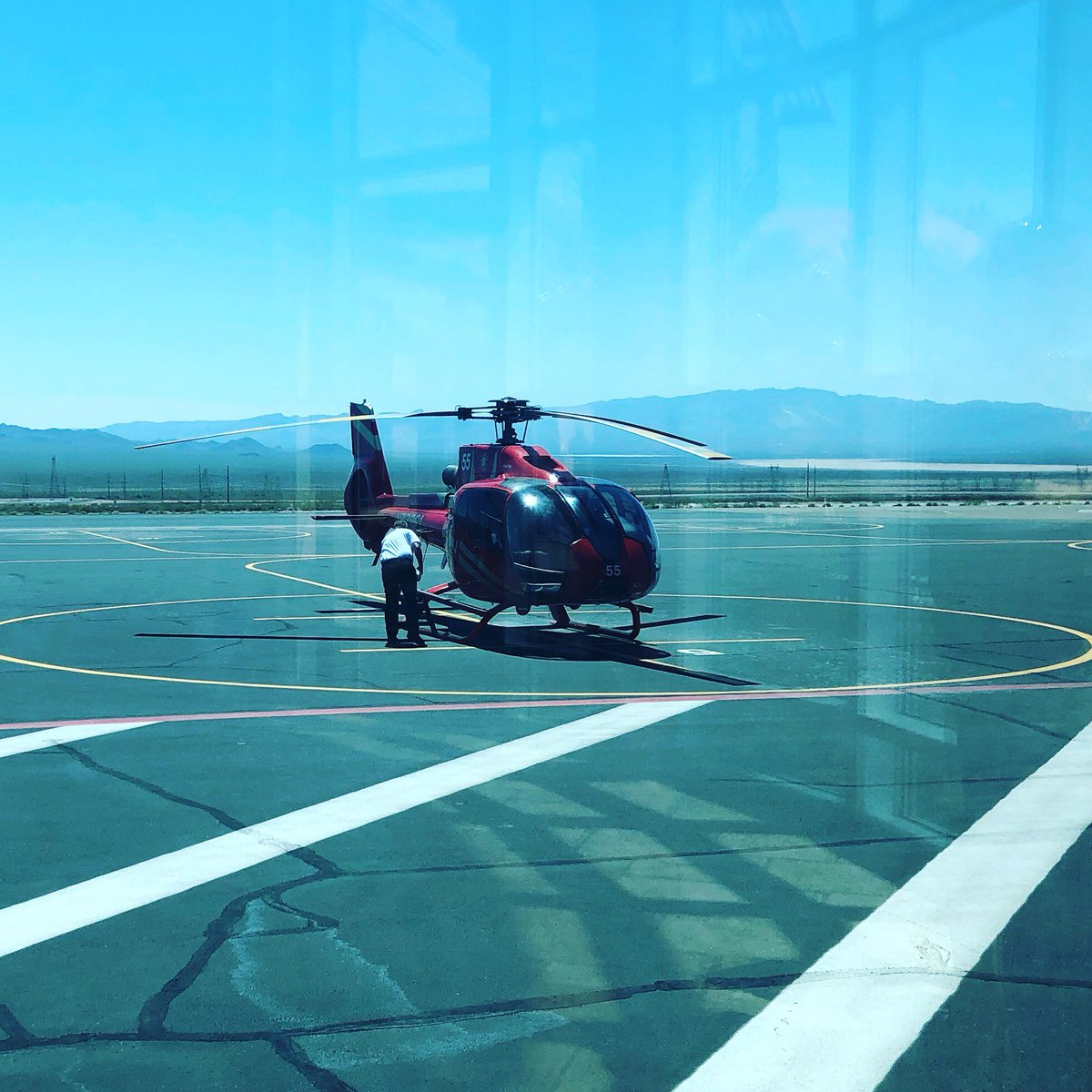 JamieMariaS: Ready to see the Grand Canyon! 🤩 #roadtoimagine #helicopter https://t.co/2IG3QyurVJ