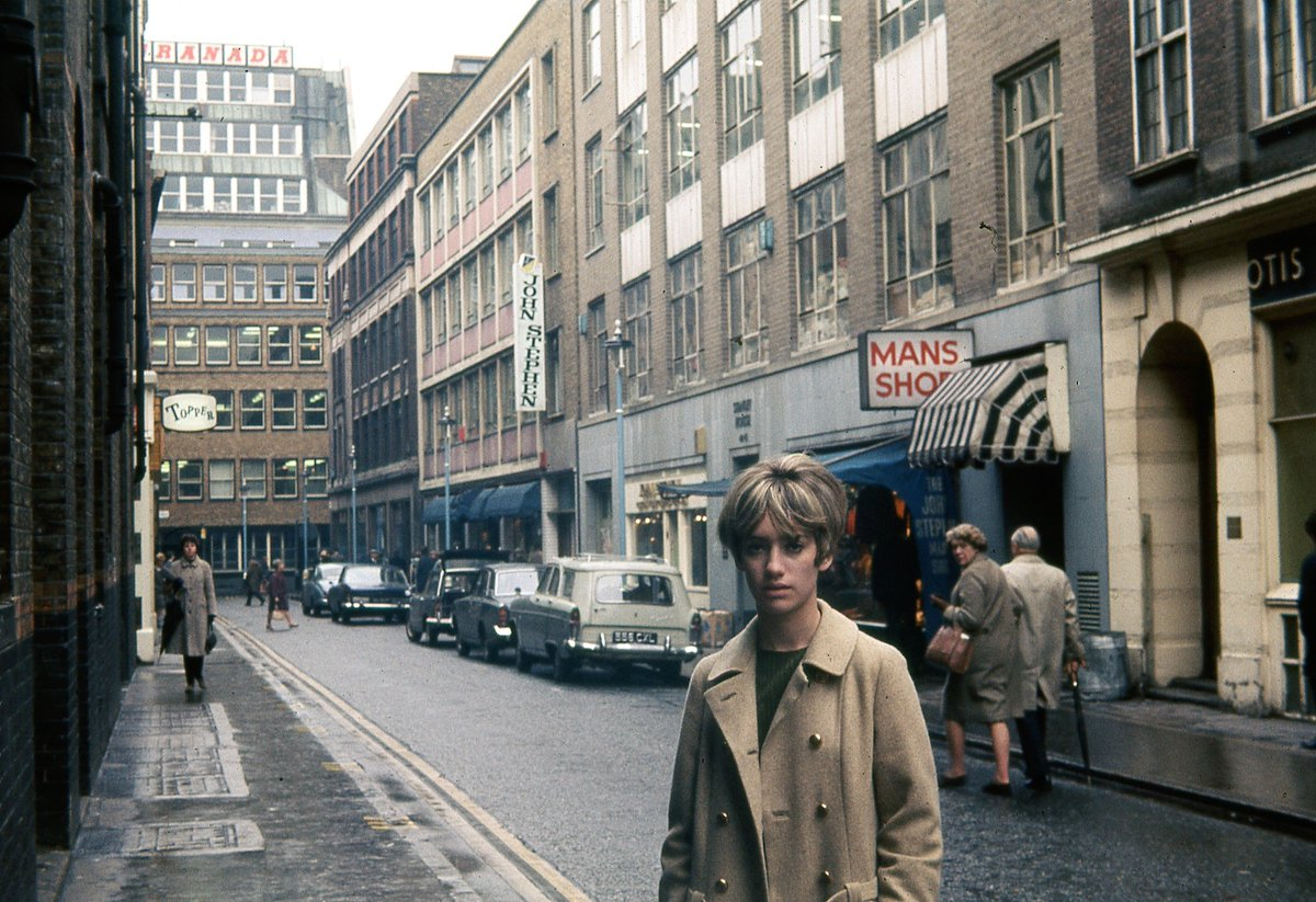RT @aflashbak: Carnaby Street in 1967 https://t.co/WtcGz7s656