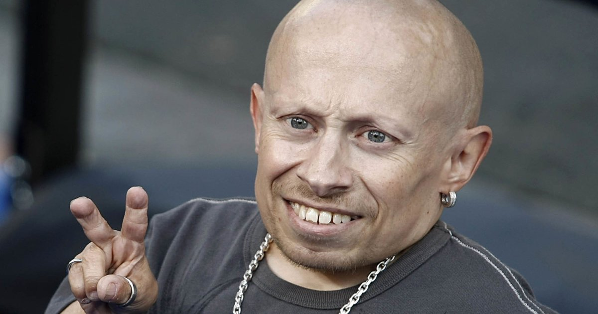 Mike Myers, other stars react to Verne Troyer's death