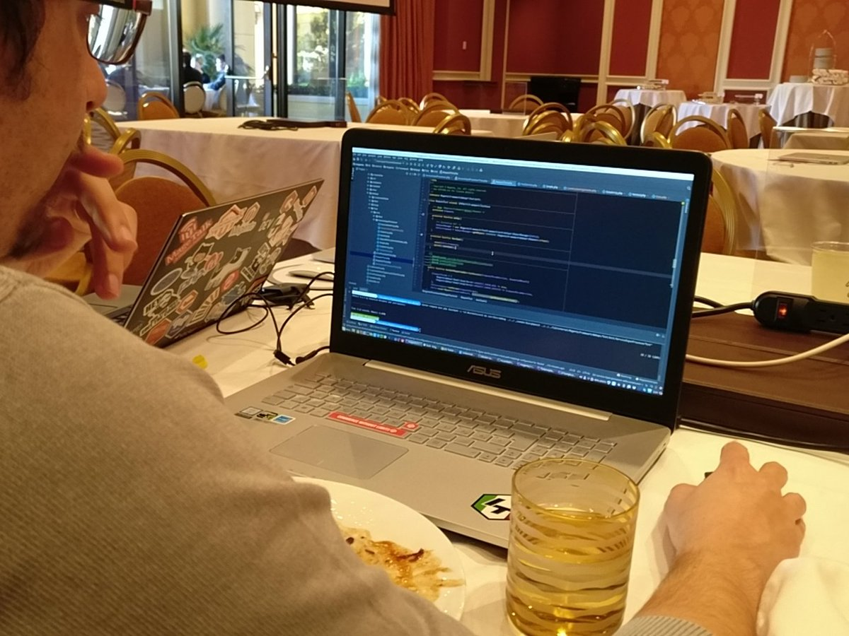 midimarcus: Eating and coding and drinking! :) @RicTempesta @magespecialist #MageHackathon2018 #MagentoImagine https://t.co/oH3byPc8QG
