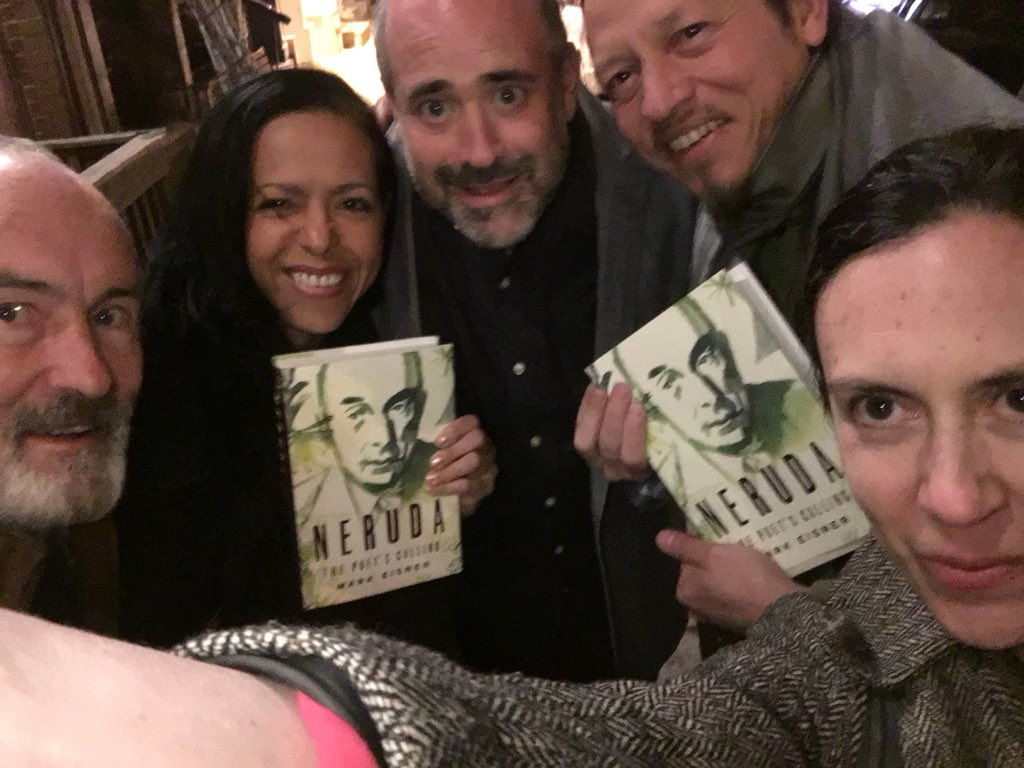 test Twitter Media - Reason number 2,7438,732,288 why I ❤️ NY: Going to a book reading and ending up hanging out with the book author @eizmarcos and the most fabulous, fun group of artists, poets, and intellectuals this side of the pond. #IHeartNY https://t.co/elnW21ZfOv https://t.co/jSd98aPxe1