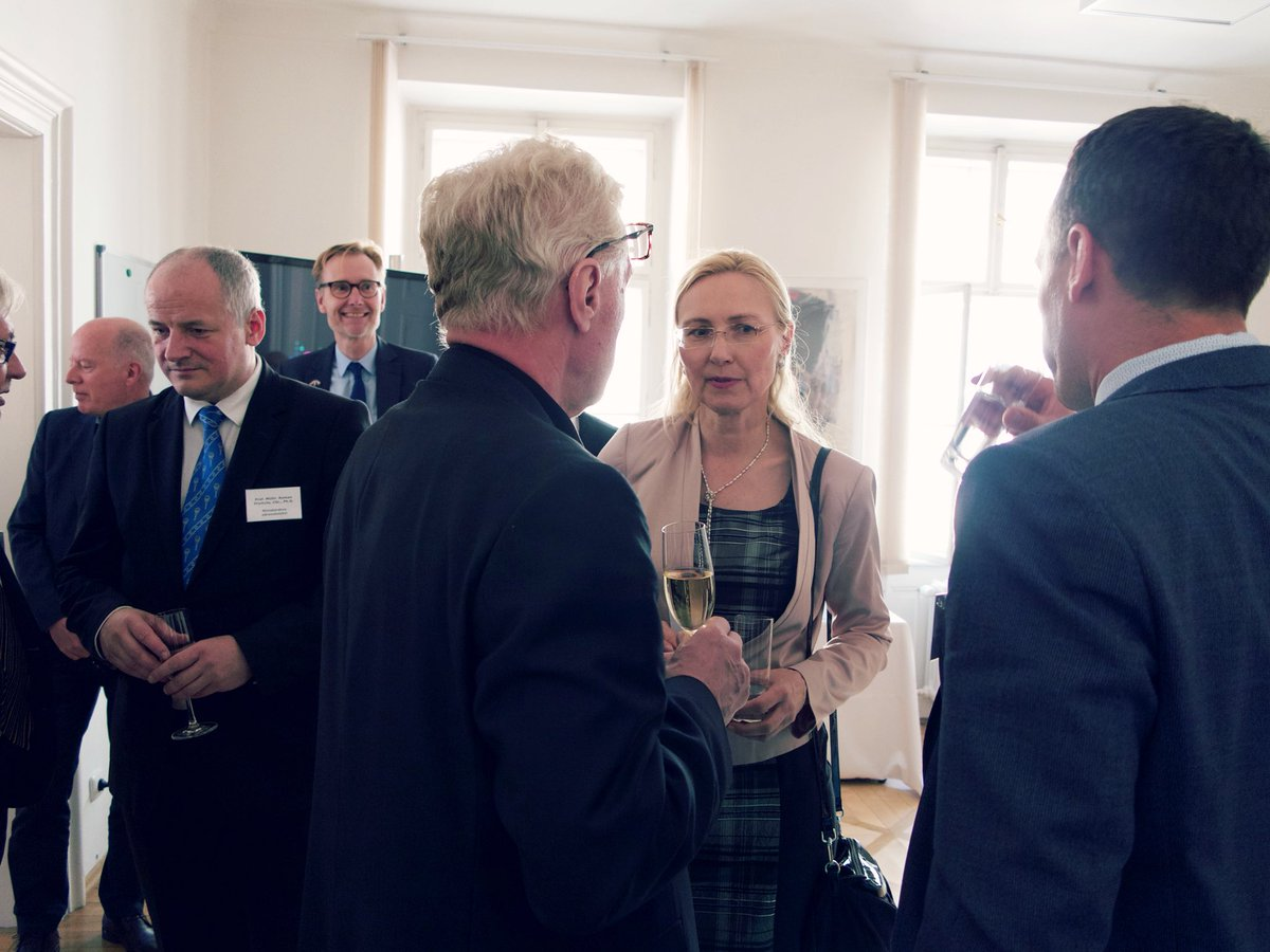 test Twitter Media - Do you know DK has become global leader in #diabetes #research and treatment? This week we hosted a seminar with key CZ experts, politicians and other stakeholders. Enriching to hear the progress. 🇩🇰Emb. pleased to support the introduction of the 🇨🇿Nat.Diabetes Prog. in 2010 https://t.co/7qKh4ui8Sl