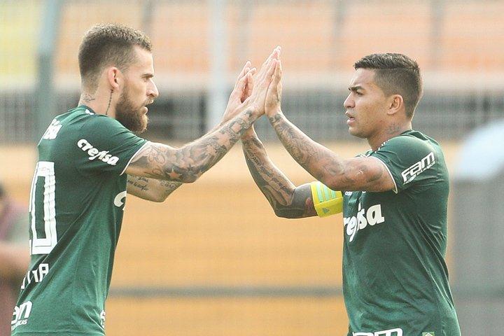 @BroadcastImagem: Dudu do Palmeiras comemora gol contra o Internacional em partida do Brasileirão. Daniel Teixeira/Estadão.