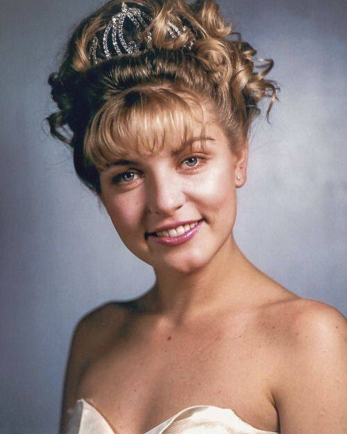 Happy birthday to the beautiful and talented Sheryl Lee!