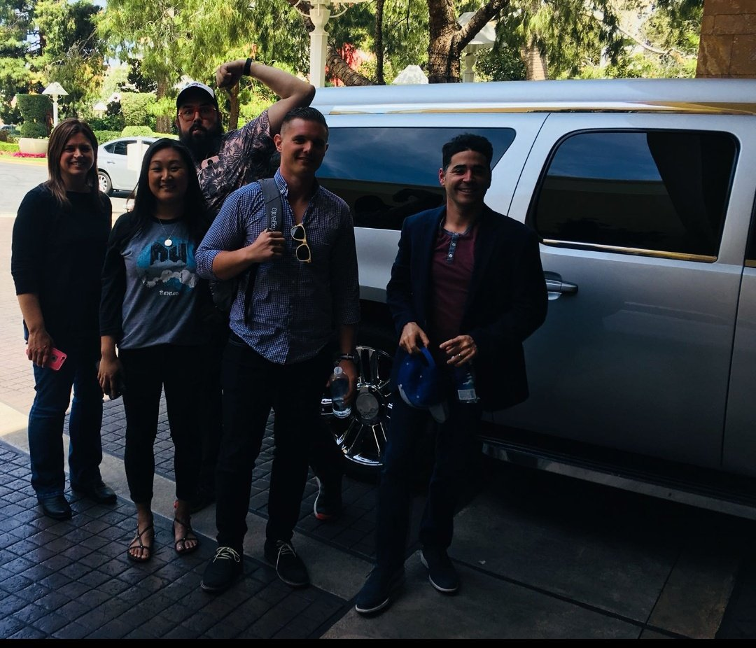 nexcess: Awesome limo ride with @ExpandLab and Loni! #NexcessLive #MagentoImagine https://t.co/0G5lVzT77S
