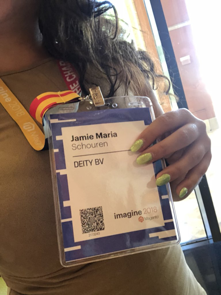JamieMariaS: Registration done! Nails done! #MagentoImagine https://t.co/QCW5x5pCY4
