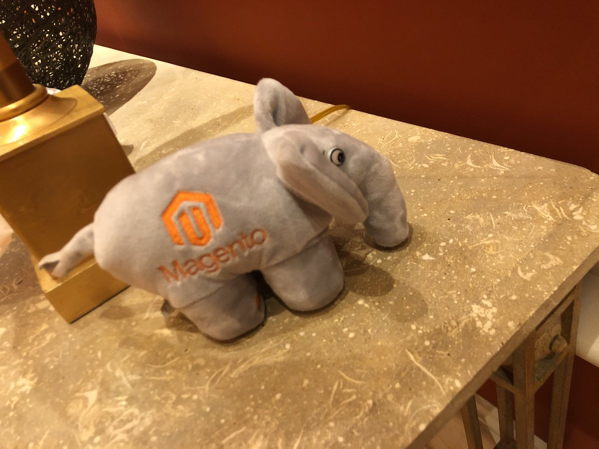 billygilbert: Got my #php elephant at #magentoImagine !!! https://t.co/OxeFiLkLFp