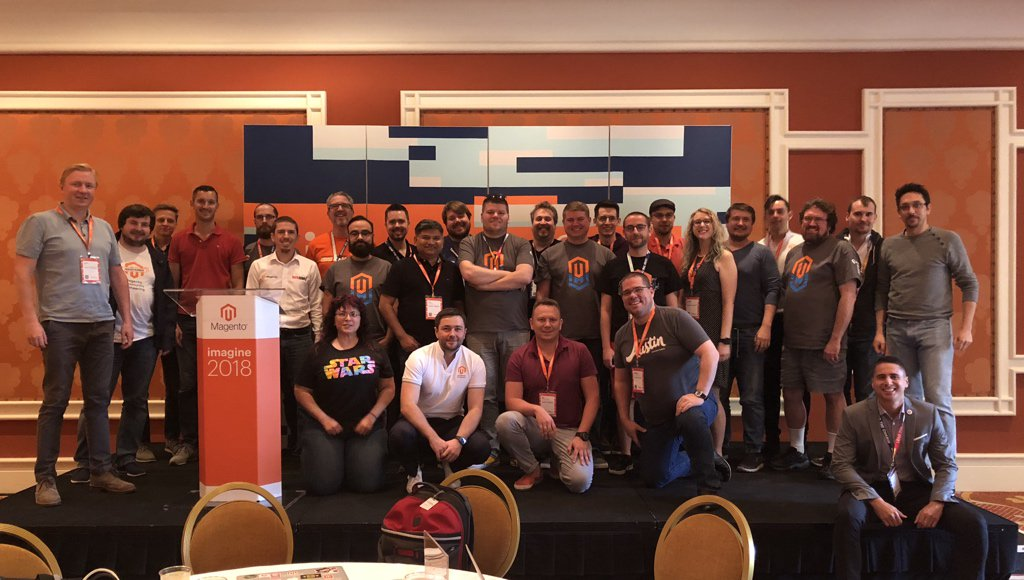 maksek_ua: #MageHackathon2018 all heads photo . #MagentoImagine #magento https://t.co/xNhzD1WI44