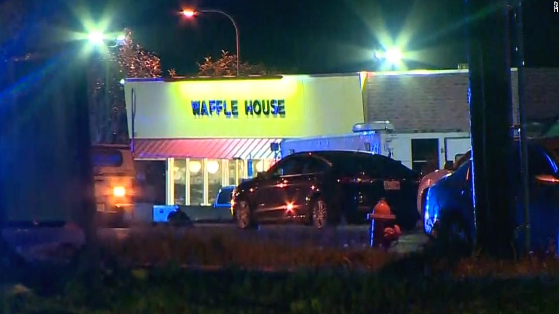 Waffle House shooter was once arrested by Secret Service for trespassing near White House https://t.co/xr173z415S https://t.co/U4AU4X8yiT