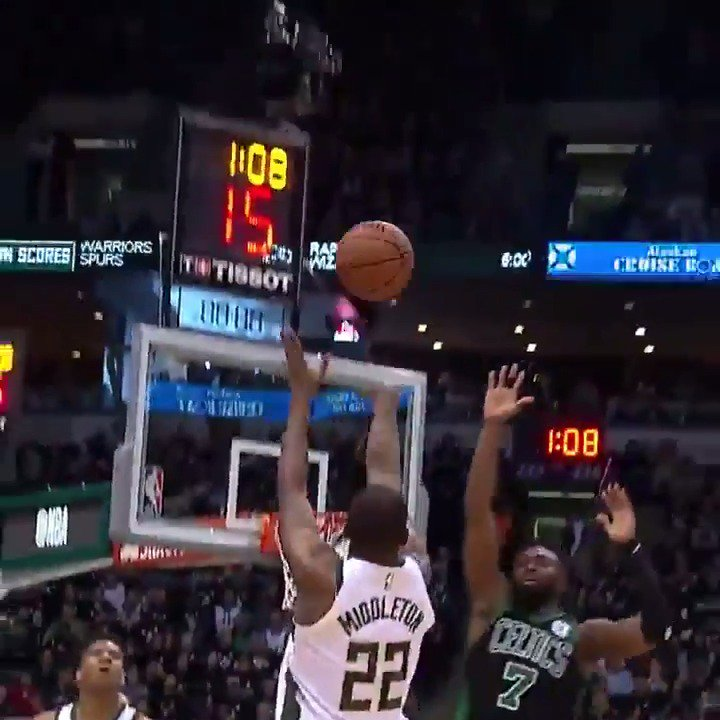 Khris Middleton scores 23 PTS to help the @Bucks win at home and even the series 2-2! #FearTheDeer #NBAPlayoffs https://t.co/XITQYfevLS