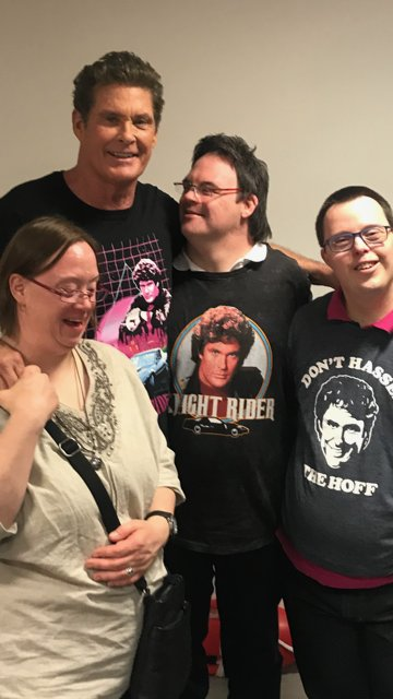 A few of my cool fans came backstage to see me on tour you gotta love them! https://t.co/Sbt0xdwH7L
