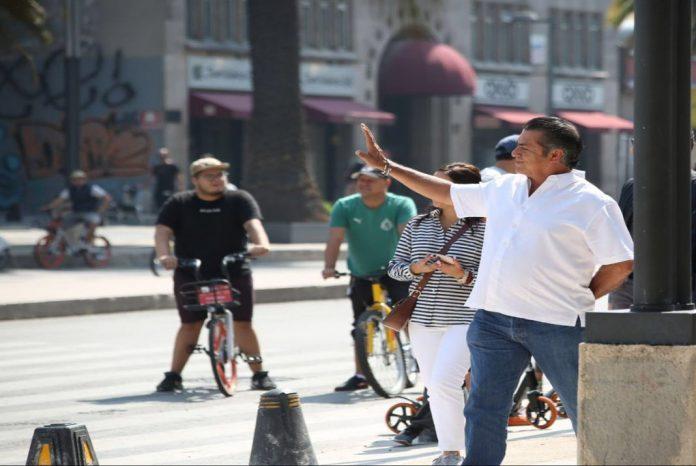 """""""El Bronco"""" reta a sus oponentes a renunciar al financiamiento del INE https://t.co/MSymn5FIiu https://t.co/dTOOeO4iz3"""