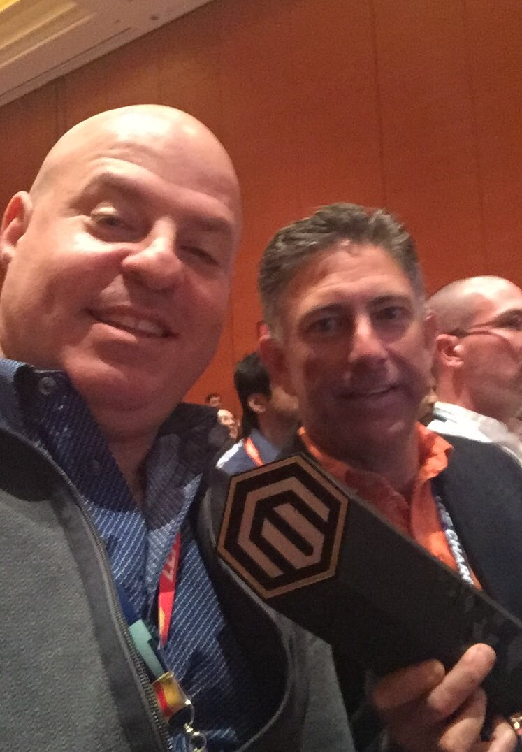 jopaklo: Look who won the @Magento Shooting Star Award! @SomethingDigitl #MagentoImagine https://t.co/QPDY9rvHpz