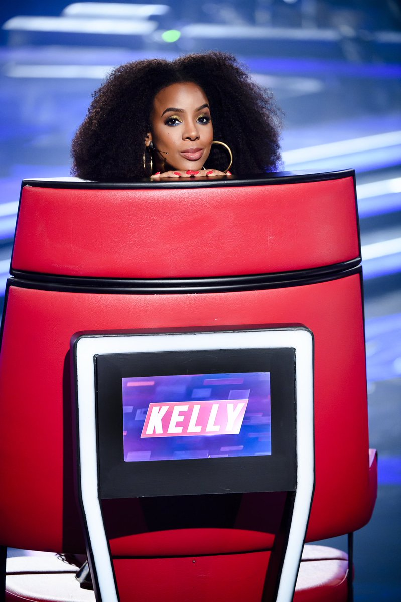 I've got a good feeling about this one, Australia… Tune in for more #TheVoiceAUtonight at 7.30! #TeamKelly https://t.co/T054VnNxj1
