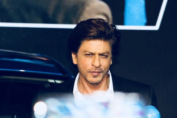 test Twitter Media - Brace yourself @iamsrk fans, the King Khan of #Bollywood is headed to #Dubai on April 26 for a @KalyanJewellers event in #MeenaBazaar at 2.30pm #UAE #ShahRukhKhan https://t.co/1DQn7GY8YX