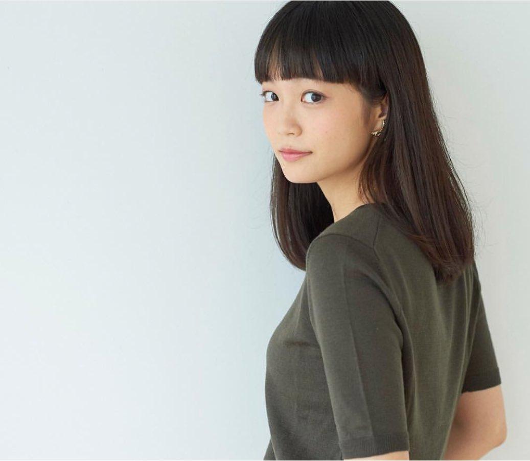 洋服が素敵な佐藤玲さん