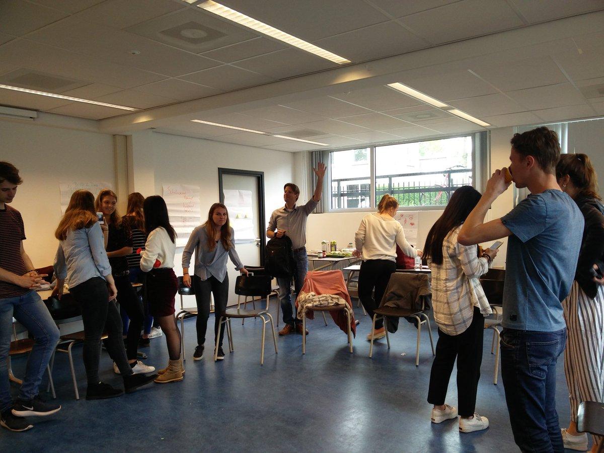 Kick off challenge week: impact met scripties @UniUtrecht @HU_Utrecht #CWIMS #designthinking #teamvorming