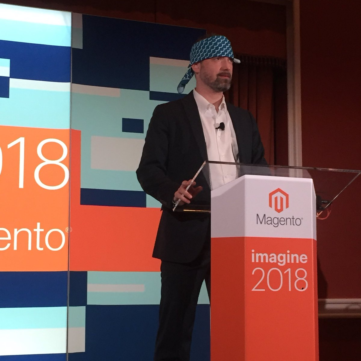 Falkowski: Day 1, Session 1: @JamesZetlen donning the bandana for PWA talk #magentoimagine https://t.co/Oc54Pnt6IZ