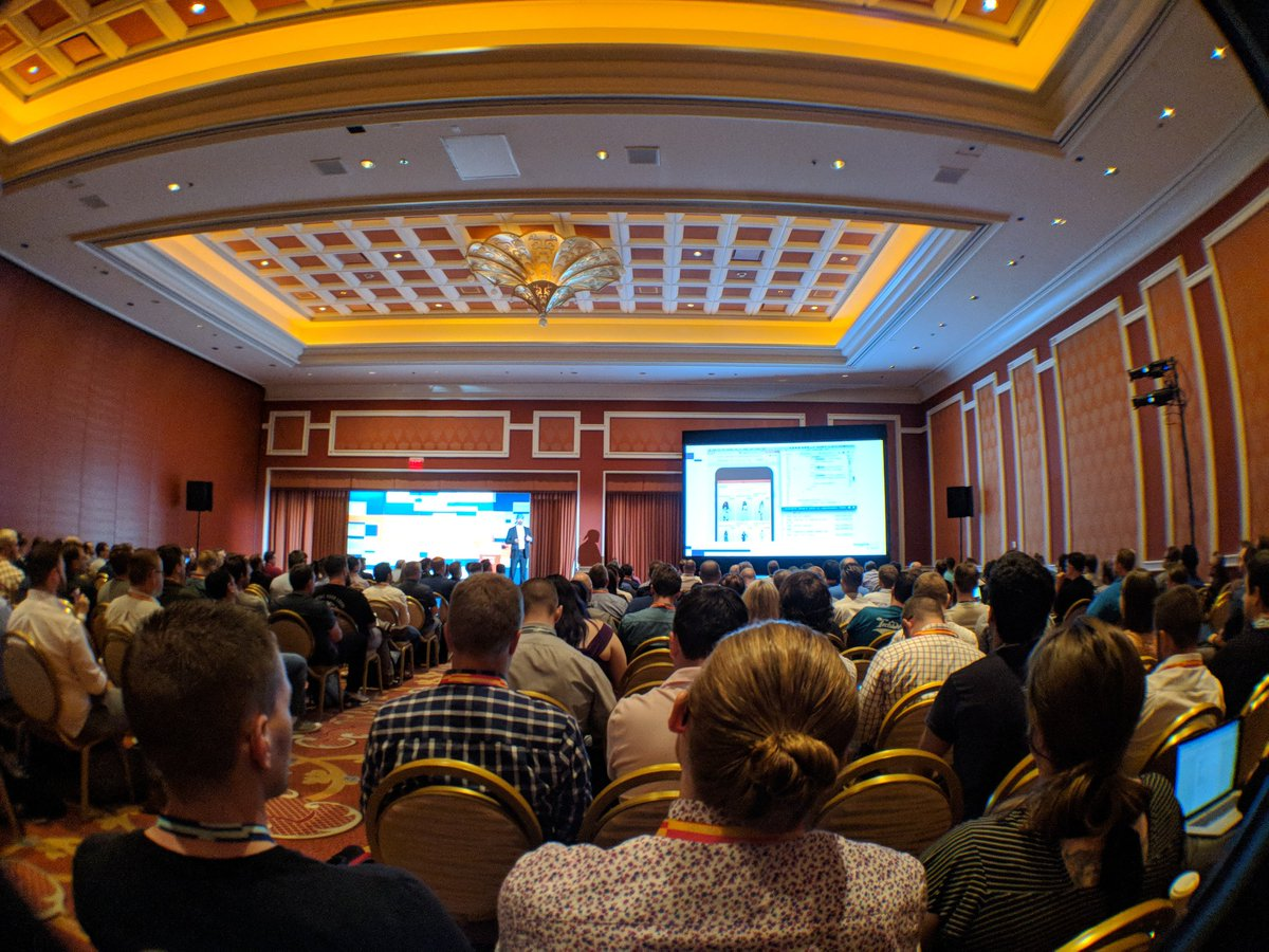 erfanimani: Full house for @JamesZetlen showing off PWA studio. #MagentoImagine https://t.co/KjFZ5dzWQK