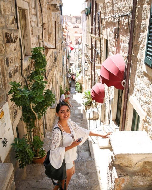 A sunny day out in old town #dubrovnik! Gosh #lovecroatia 👌🏽 xx Beauty Nomad https://t.co/UKbj5TbcKi https://t.co/4cizhclHMC