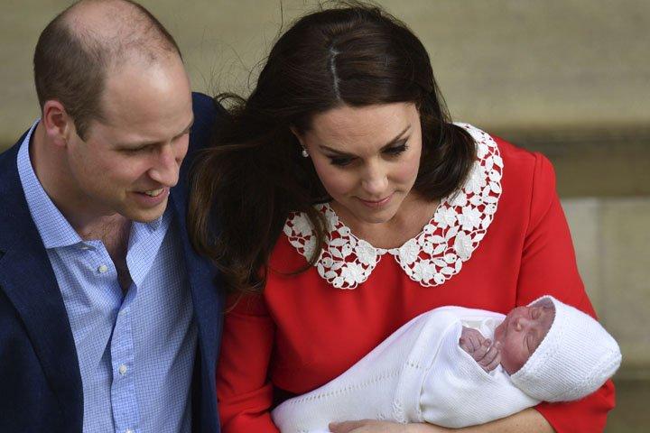 @BroadcastImagem: Nasce, em Londres, o terceiro filho de Kate Middleton e do príncipe William. Kirsty Wigglesworth/AP