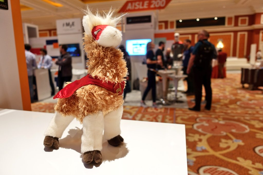 ClassiestLlama: I'm at #MagentoImagine in Vegas! Eager to start the conference and looking forward to meeting you all! https://t.co/H6LmIBiG6I