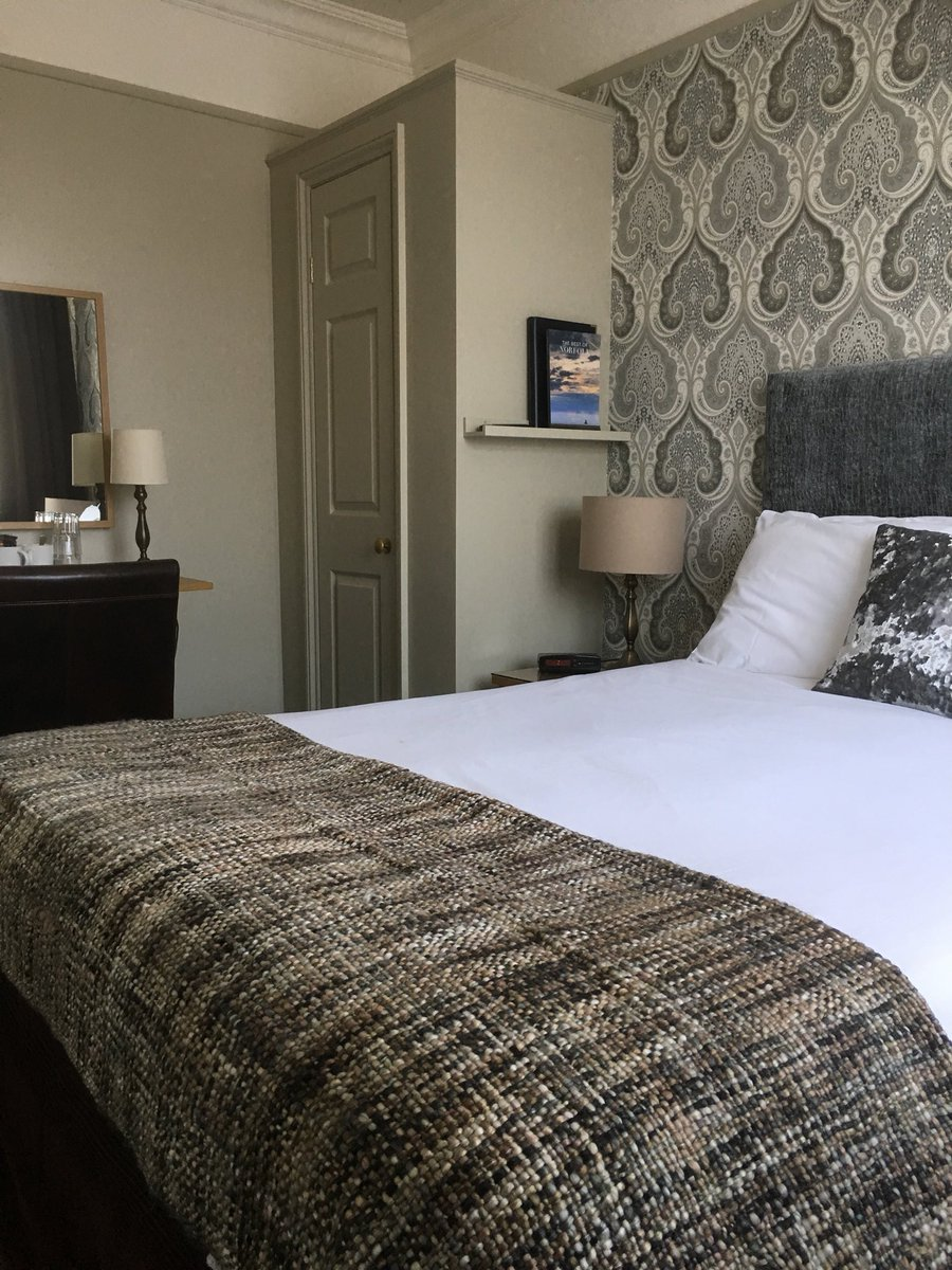 test Twitter Media - With double rooms from £90 B&B come and enjoy a midweek #Cromer break, last minute reduced rates available until Friday 27th April call 01263 512398 to book https://t.co/7PbDZUJkKA