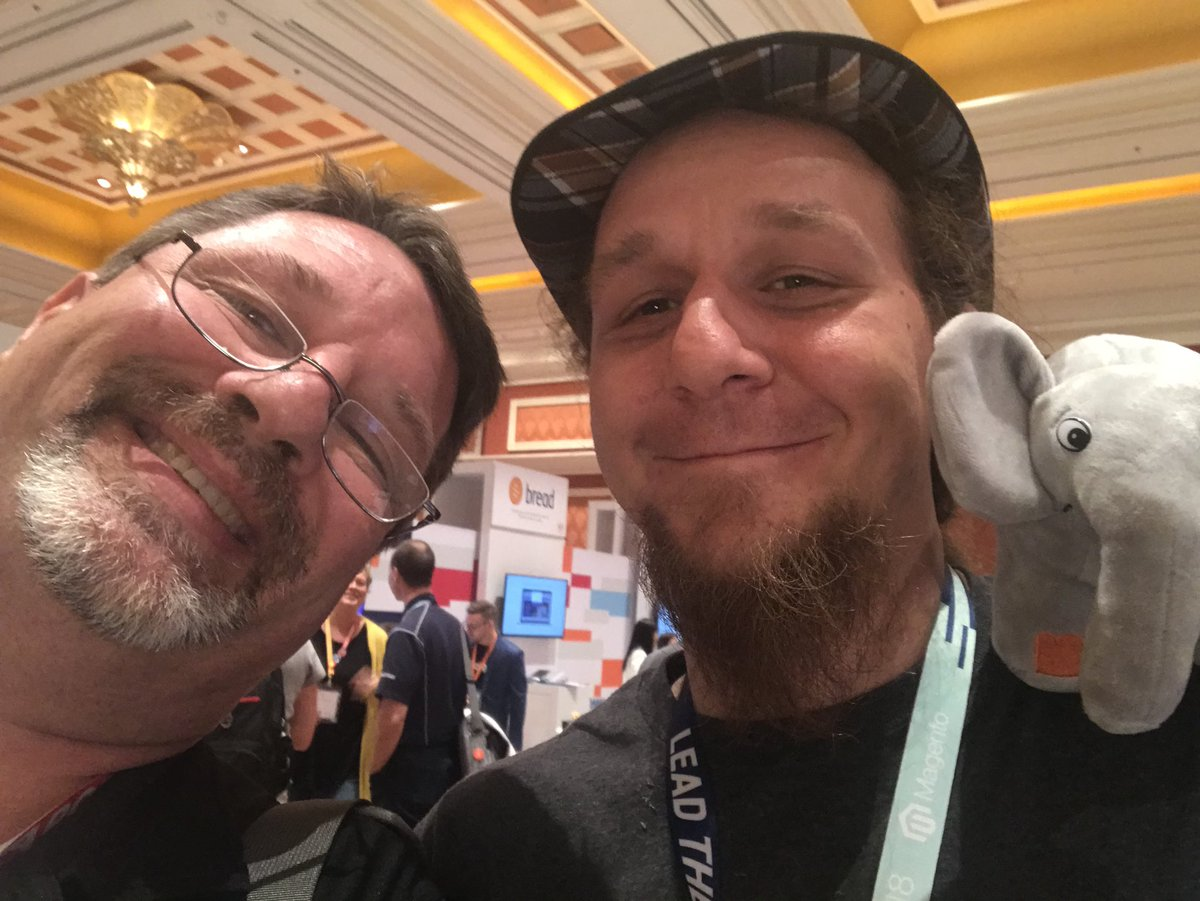 CalEvans: #hiddenElePHPants nnPHP community members I ran into at #MagentoImagine https://t.co/8GwsEmRWEW