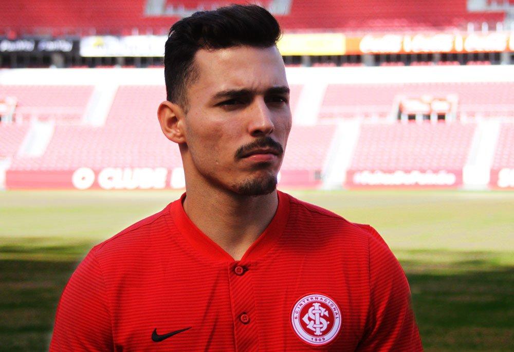 [Reforço] Inter contrata lateral Zeca ��https://t.co/8HRdExPIcg  #VamoInter #FeitosDePaixão https://t.co/t88qO8ymf6
