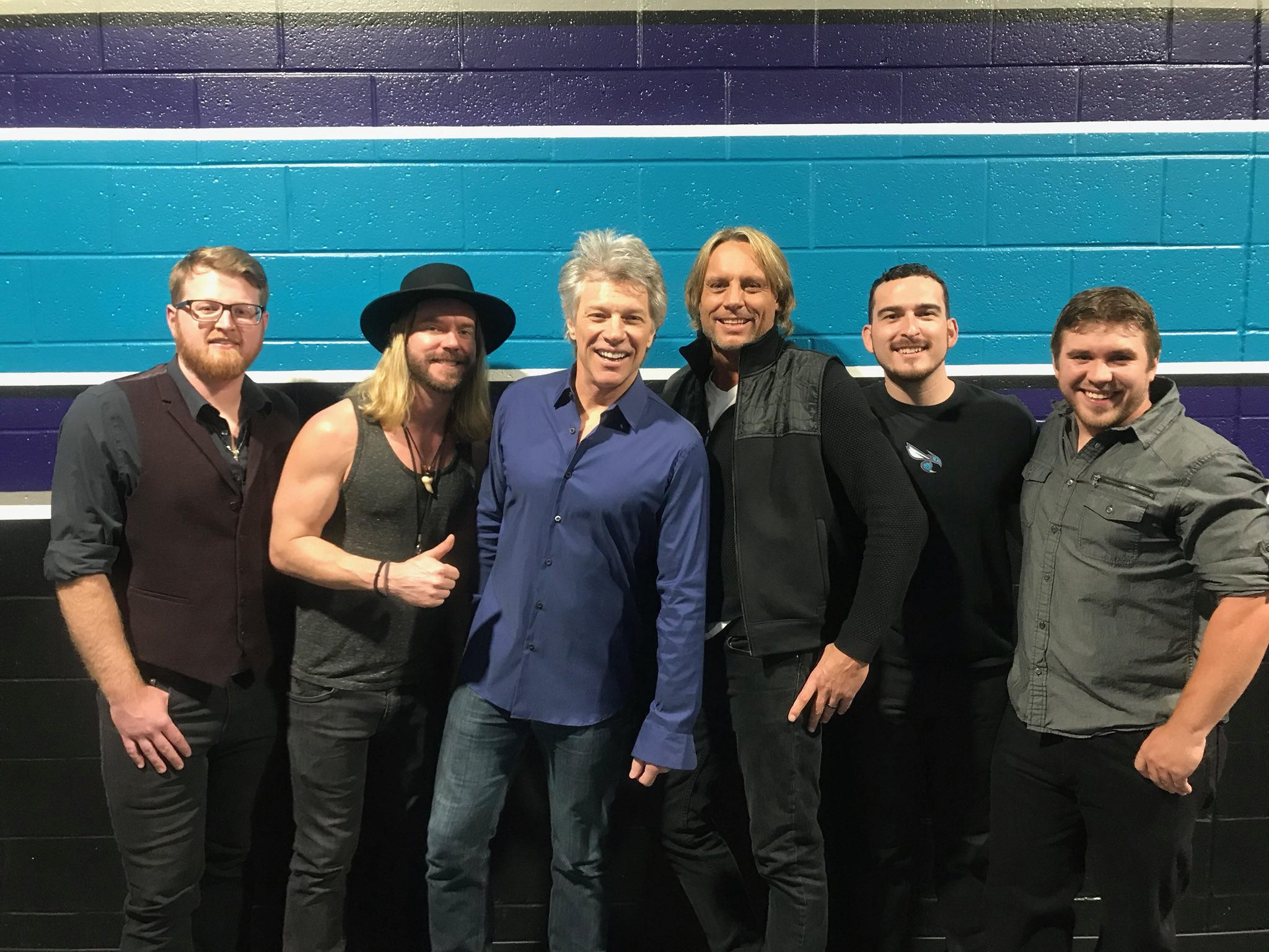 Thanks for coming out last weekend, Charlotte! JBJ with opening act, @MichaelTracy1! #THINFStour https://t.co/GGPKMagyML