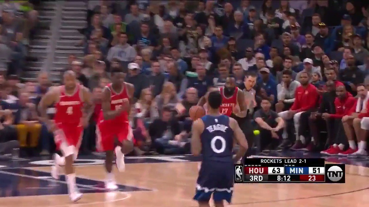 The Beard #Rockets his way to 22 in the 3rd as HOU scores 50!  #NBAPlayoffs https://t.co/HXPhPv6Oh2