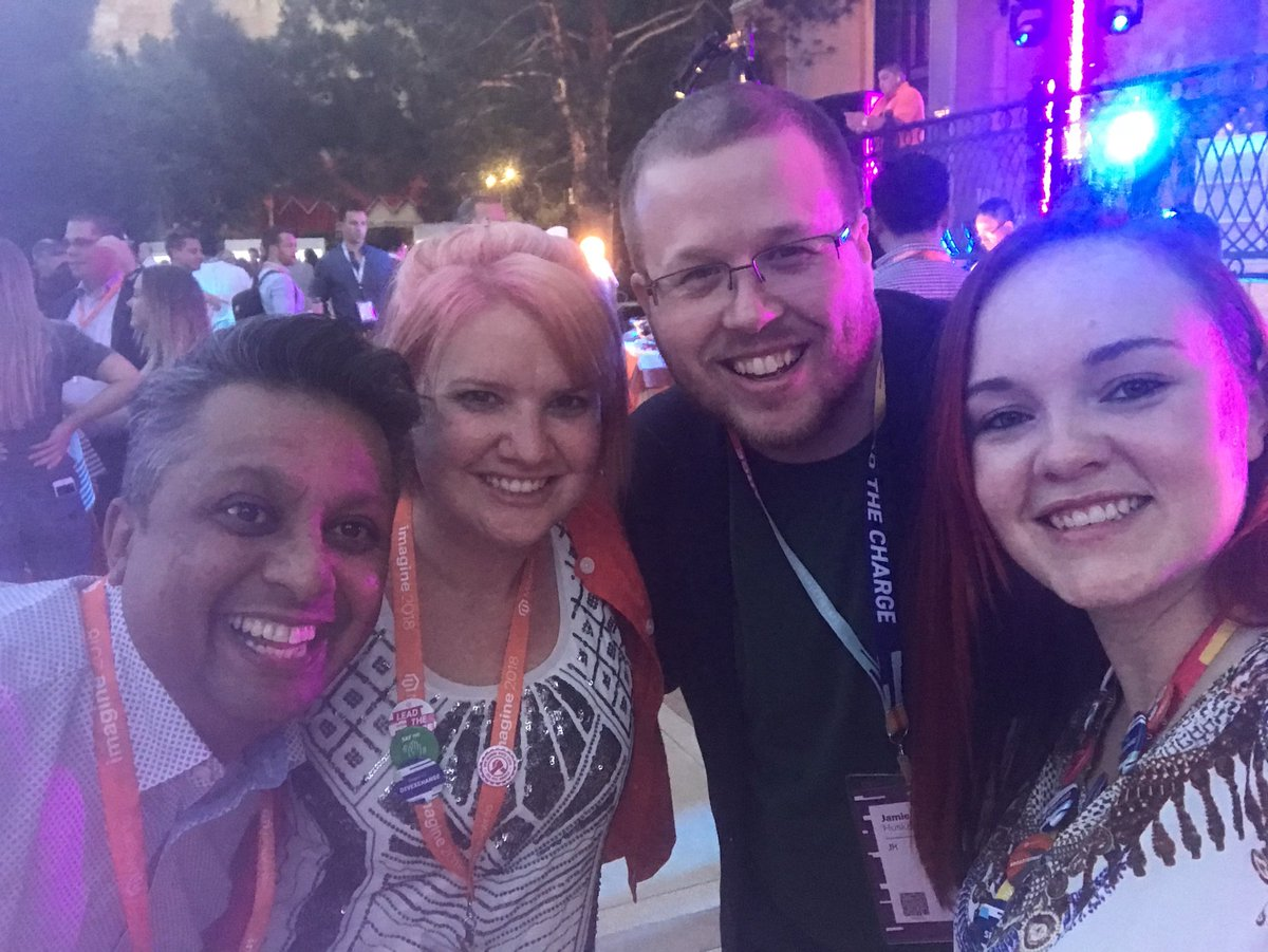 RebeccaBrocton: Hanging with some awesome people at the #MagentoImagine opening night party! 🎉 https://t.co/alMcwZpixH
