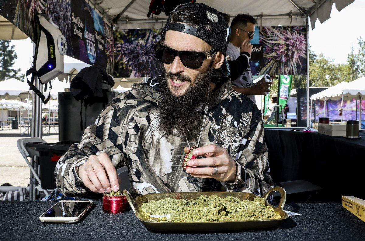 A photo dispatch from High Times' annual Cannabis Cup https://t.co/9EJALWQEGU https://t.co/dYNGc4ZdO2