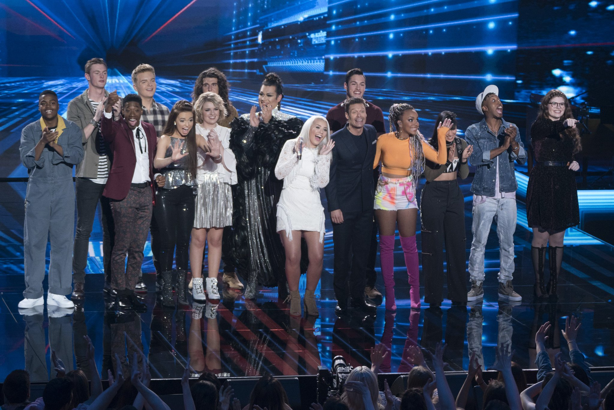 Which 10 will continue on to next week? Find out tonight at 8/7c! #AmericanIdol https://t.co/qR3g1q2zmj