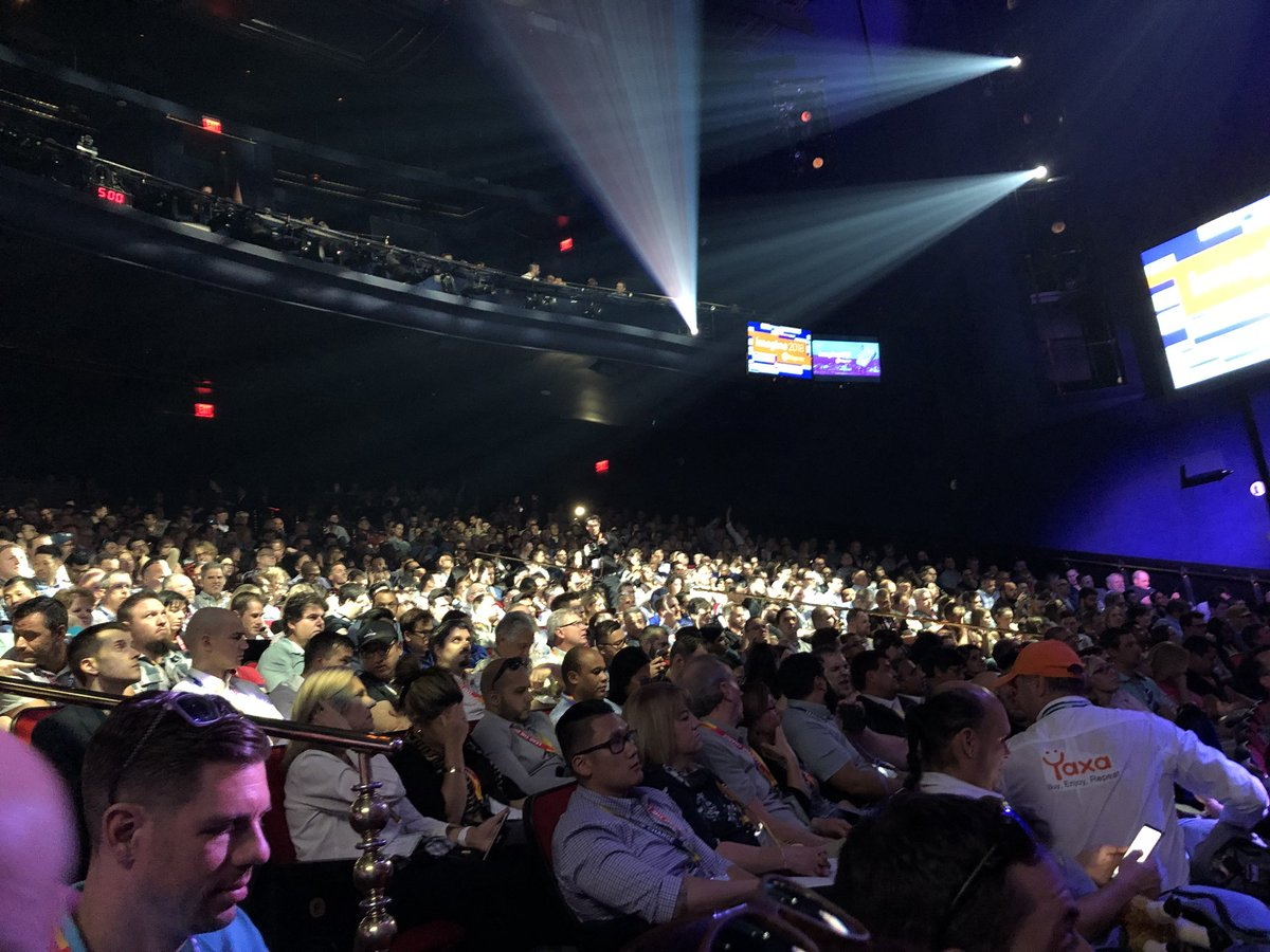 p3mbo: Packed house ready for the opening keynote of #MagentoImagine https://t.co/OtDXjKVHL8